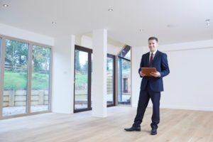 Contar con un agente inmobiliario durante todo el proceso